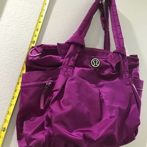 lululemon athletica Bags - Lululemon Berry Purple Duffle Large Tote Bag NWOT ae50cfe04cf0e